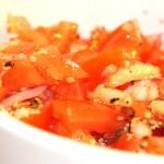 Tomatsallad med hampafrön